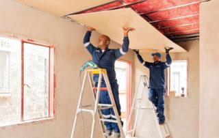 Fitting ThinkPink Aerolite insulation. Image credit: Saint-Gobain